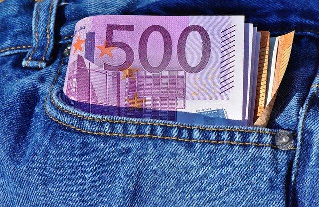 Dringend Geld benötigt Österreich